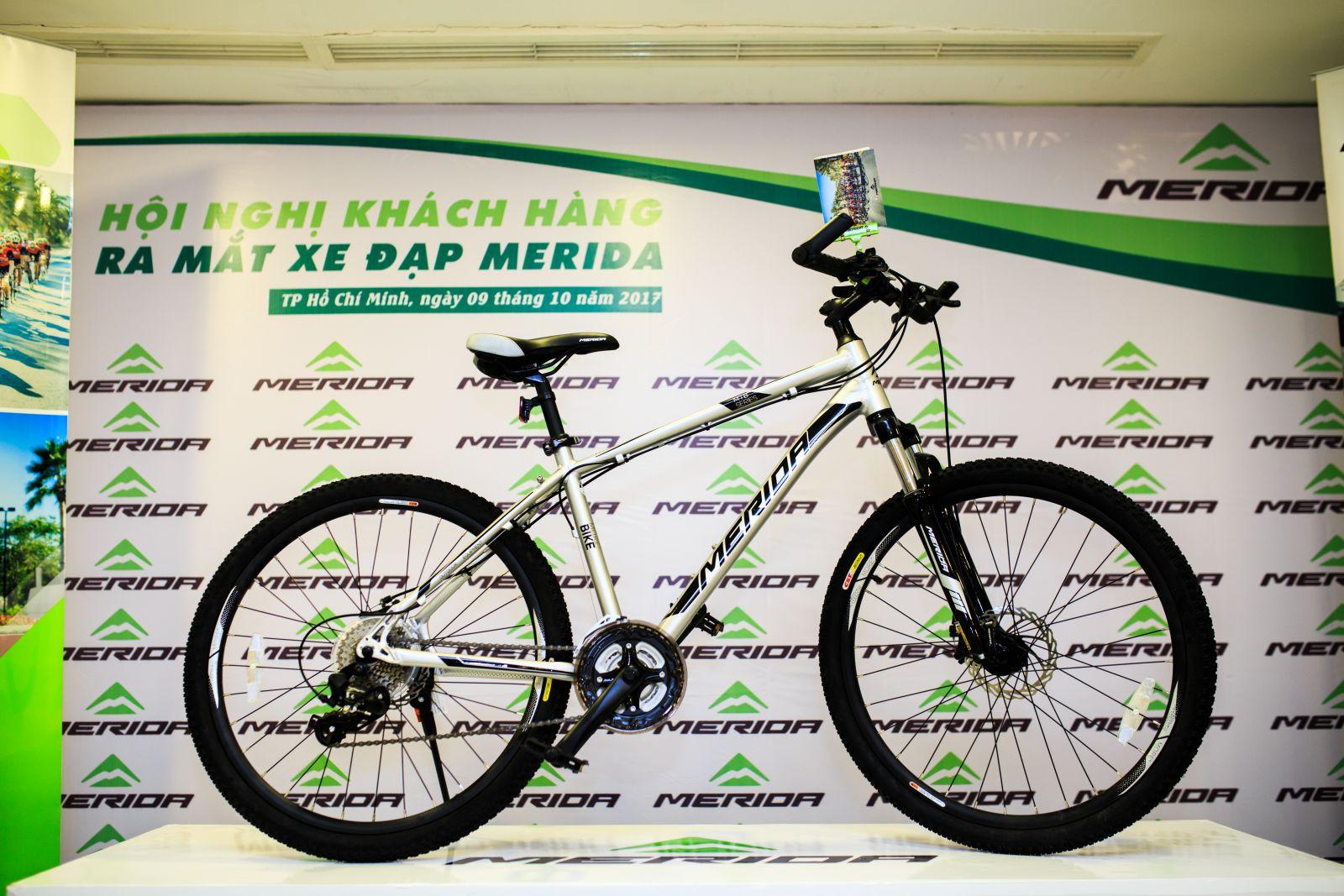 Xe đạp địa hình Warrior 500D có khung làm bằng hợp kim nhôm sử dụng công nghệ ép ống cơ học 3D (TFS). Khung có trọng lượng nhẹ, chịu được tải trọng cao.
